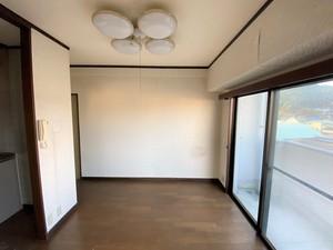 洋室 前2.JPG