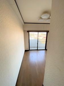 洋室 前3.JPG